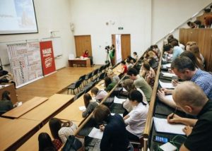 Три ведущих радиостанции «Мультимедиа холдинг» прочитают диктант москвичам